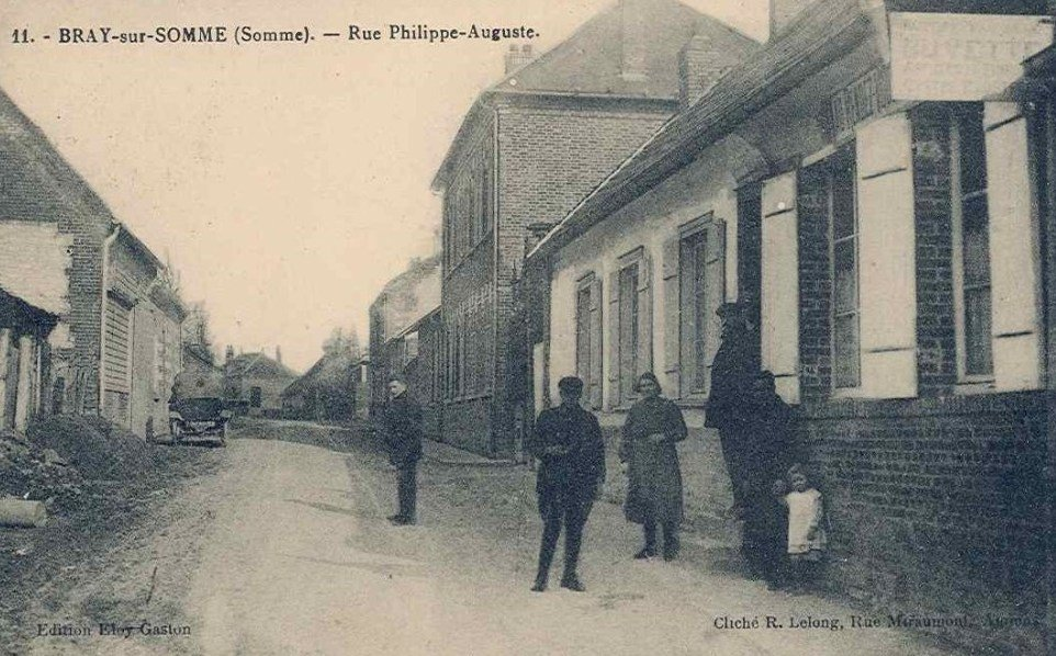 Postcard of Bray-sur-Somme 03- Rue Philippe Auguste - Btn HQ - late May 1916